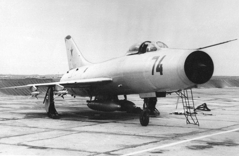 http://airforce.ru/aircraft/sukhoi/su-9/ik_su-9_1.jpg